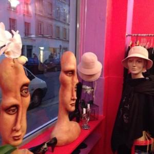 décors sculpture lumineuse espace Paris fashion vintage 4
